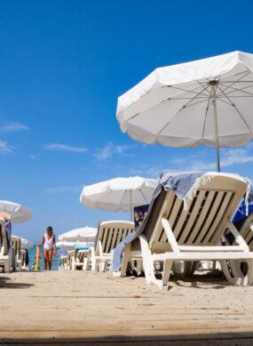 Open plage, établissement de bains à Saint-Cyr-sur-Mer